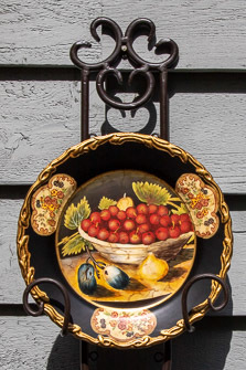 DECORATIVE SEASONAL CHINA PLATES w/HANGERS